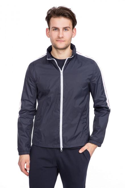 Куртка мужская темно-синяя на молнии с контрастными полосками и надписью Antony Morato