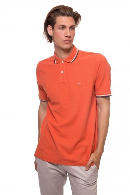 Футболка-поло оранжевого цвета с контрастным кантом и логотипом Fynch Hatton