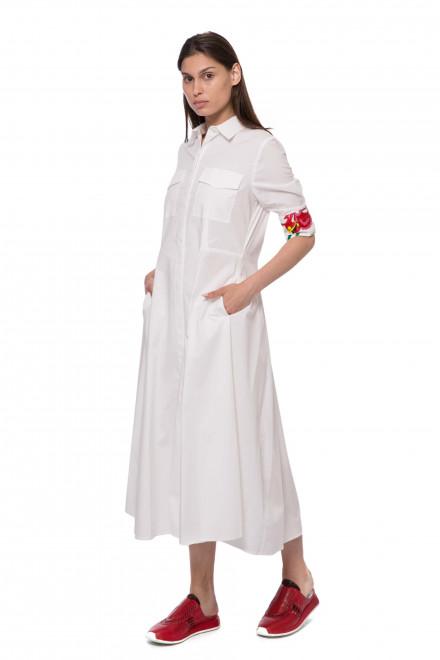 Платье женское белого цвета миди с четвертными рукавами и цветными манжетами Sfizio