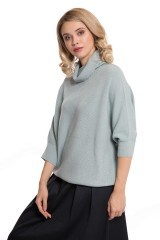 Пуловер женский с высоким воротником свободного кроя светло-голубой UNQ