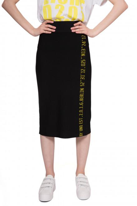 Юбка женская трикотажная черного цвета с символикой UNQ