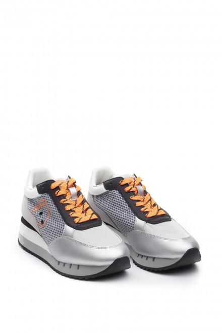 Кроссовки женские с яркими оранжевыми шнурками Blauer