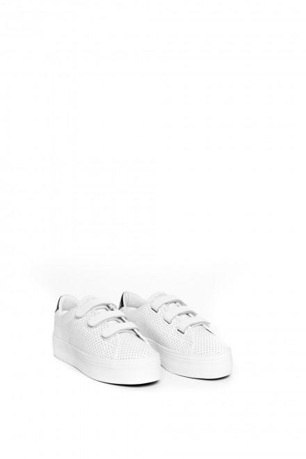 Сникеры женские белого цвета с перфорацией, на высокой подошве, с липучками No Name