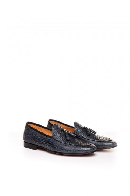 Мужские туфли лоферы с кисточками кожаные с перфорацией Magnanni