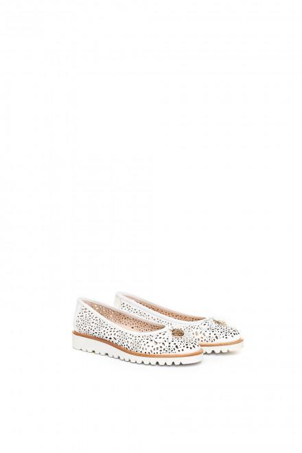 Туфли женские (балетки) белые с перфорацией La Ballerina