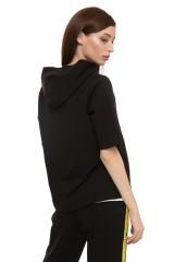 Пуловер женский черного цвета UNQ 2