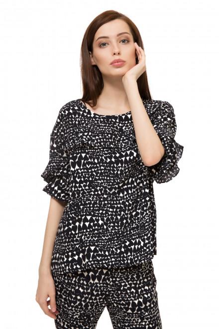 Пуловер женский черного цвета в мелкий белый принт с коротким рукавом Le Coeur