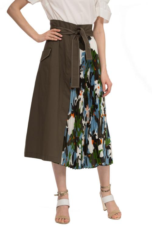 Юбка женская макси цвета хаки со вставкой плисе в флористический принт Sfizio