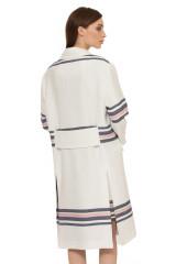 Пальто женское белое с полосами Steffen Schraut 2