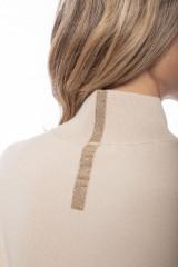 Пуловер женский с золотой полосой Liviana Conti 4