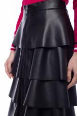 Черная юбка из экокожи с воланами Sfizio 5