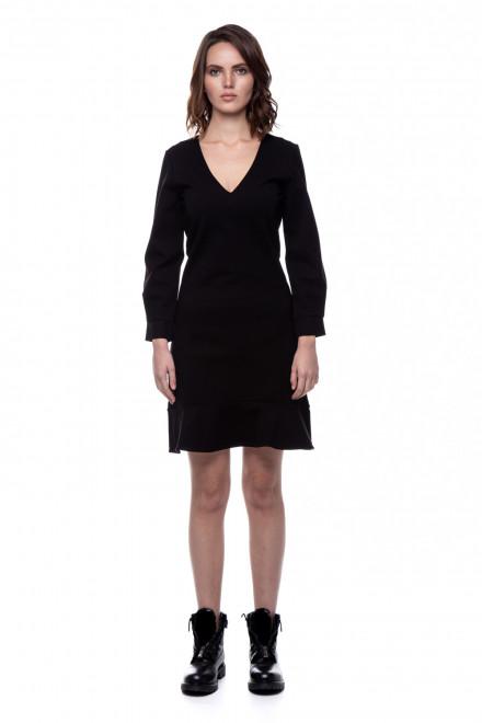 Черное платье V-образным вырезом Le Coeur