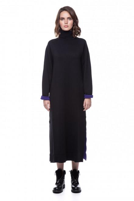Платье трикотажное черное UNQ