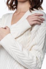 Свитер женский с V-образным вырезом Repeat 3