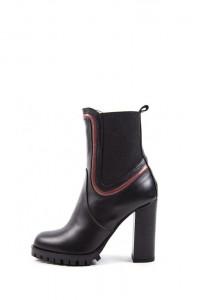 Ботинки женские кожаные на высоком каблуке и платформе черного цвета Fabio di Luna