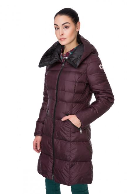 Куртка-пуховик женская приталенная с капюшоном бордовая Reset