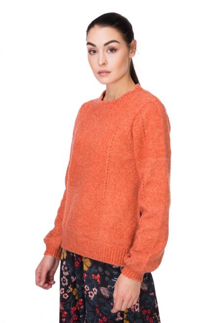 Пуловер женский свободный медного цвета B.young