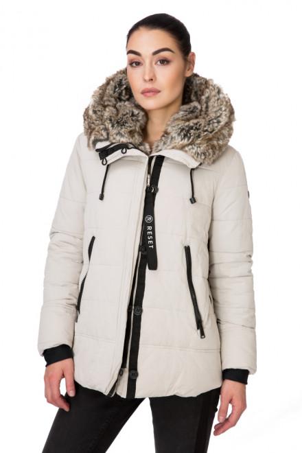 Куртка женская с капюшоном молочно-серая Reset