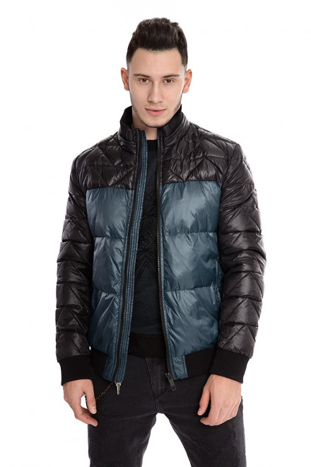 Куртка мужская объемная стеганая черного цвета с синими вставками Antony Morato