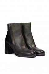 Ботинки женские черного цвета на высоком каблуке из черной кожи Area Forte