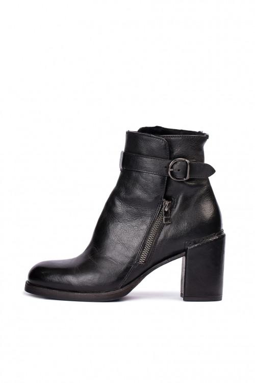 Ботинки женские из кожи черного цвета на среднем каблуке с пряжкой Area Forte