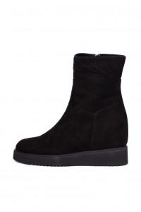 Ботинки женские замшевые на платформе черного цвета The Seller