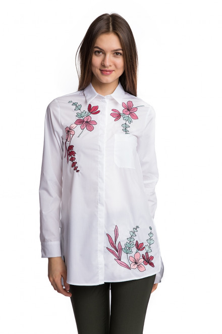 Блуза женская с цветочной вышивкой по белому Sfizio
