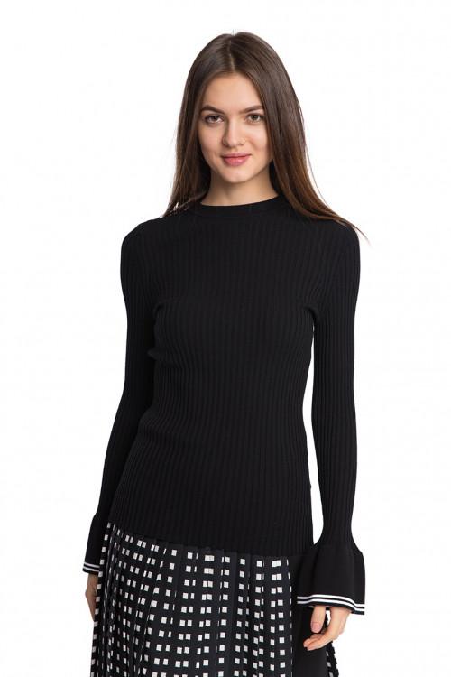Пуловер женский черного цвета облегающий Beatrice B